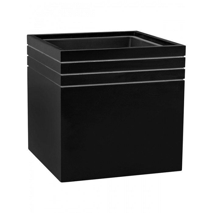 line-up-square-planter-matt-black_1473172653